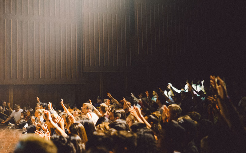 seminar hand raising
